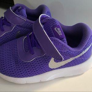 Toddler girls size 7 Nike shoes